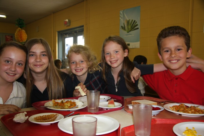 cafeteria-eleves-ecole-privee-val-marie